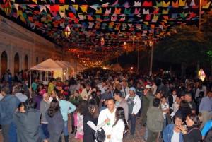 Tradicional festa do Banho de São João em Corumbá é referencia na região Centro Oeste.